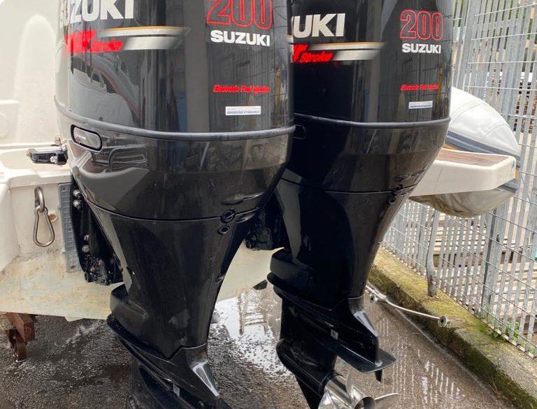 Coppia di fuoribordo Suzuki DF 200 HP